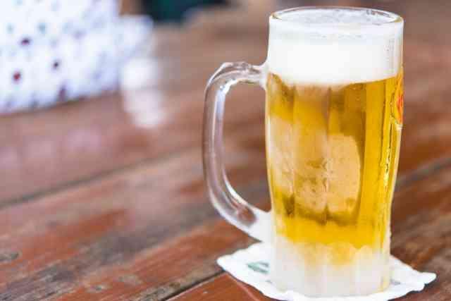 休みの日は昼間から飲みますか?