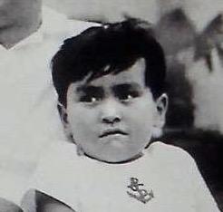 子供の頃から顔が変わってない人