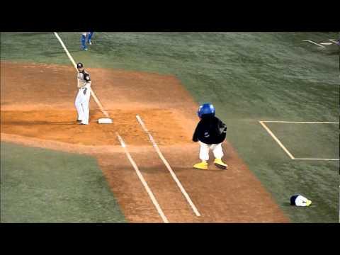 つばくろう ファイターズ稲葉に怒る 2012.5.31 - YouTube