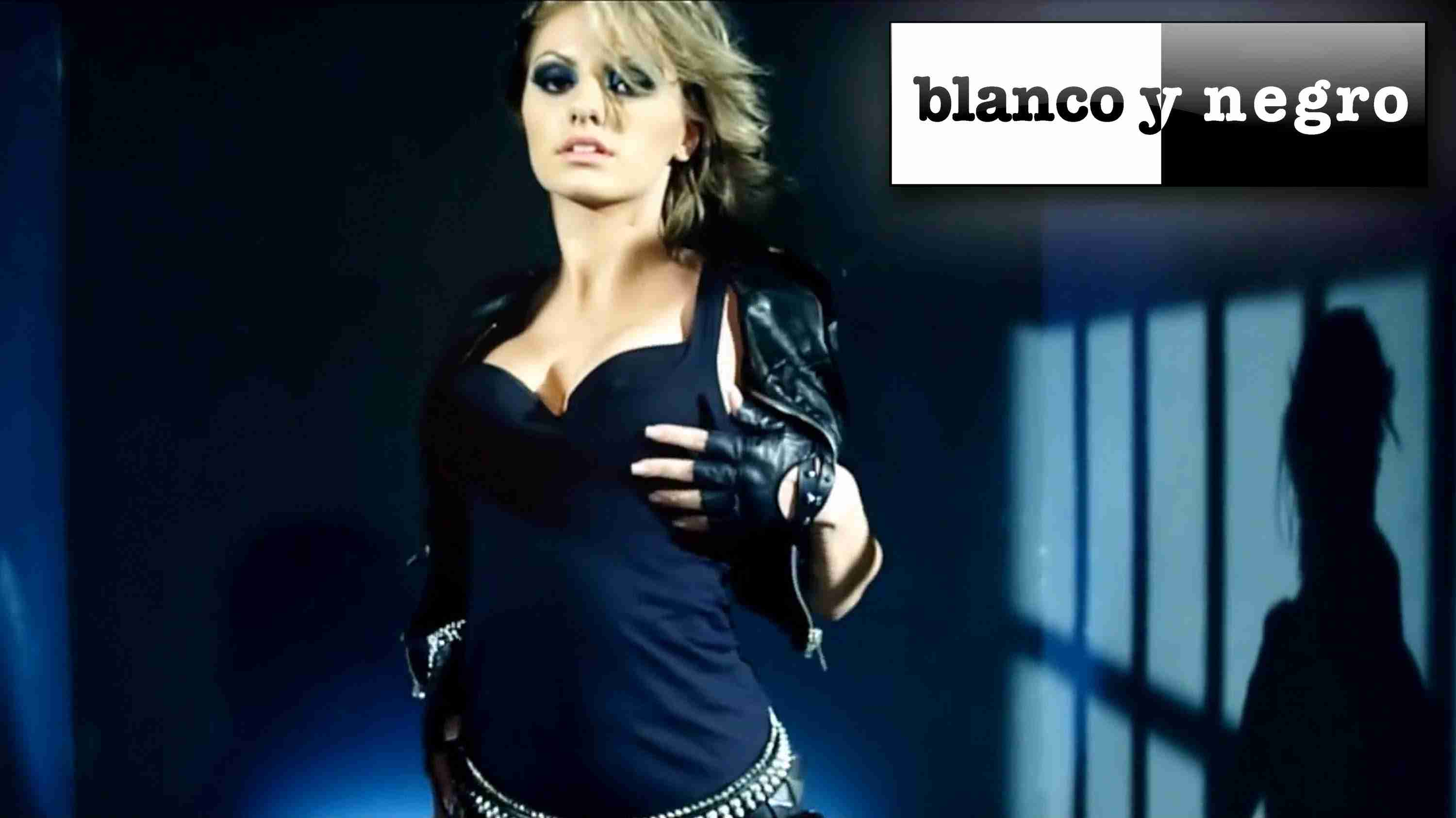 Alexandra Stan - Mr Saxobeat (Official Video) - YouTube