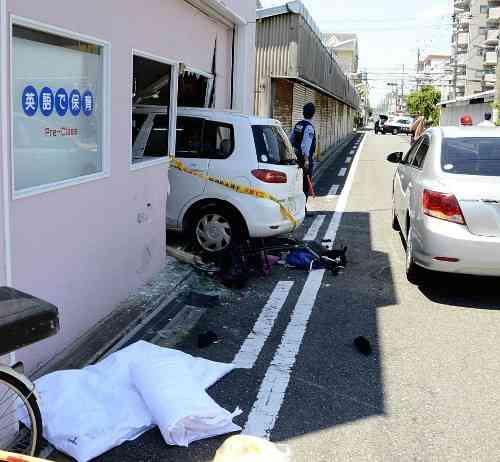 女性はね保育園に車突っ込む、運転の69歳死亡 : 社会 : 読売新聞(YOMIURI ONLINE)