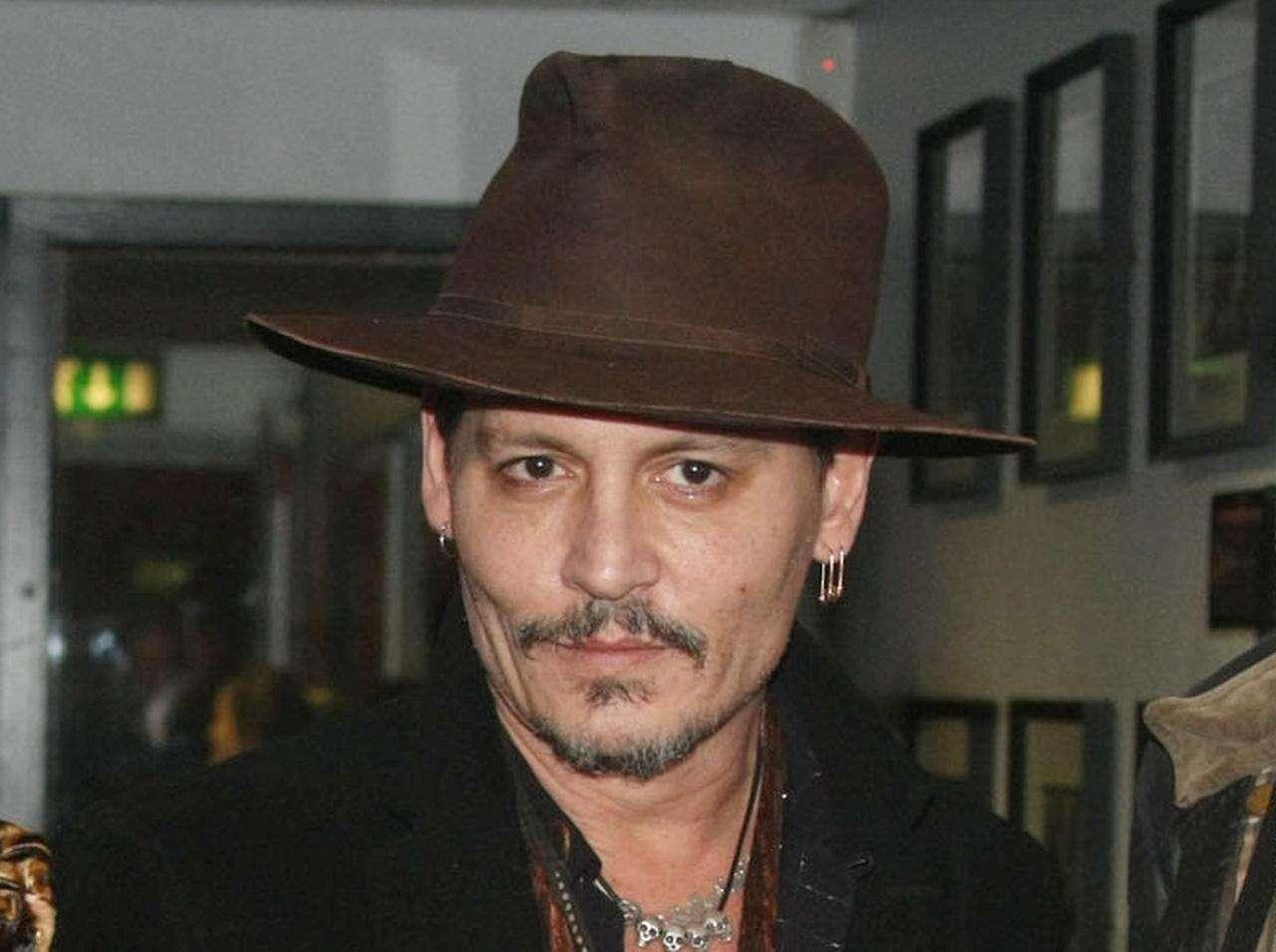 ジョニー・デップ、撮影現場での「一触即発」報道に監督が声明発表 - FRONTROW
