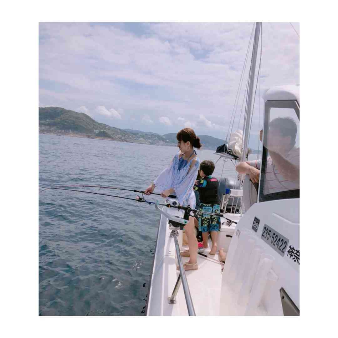 辻希美、GWに船釣りへ出かけるも船上のあり得ない格好に総ツッコミ