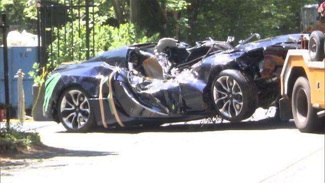車が木に衝突 男女が死亡 山梨・富士河口湖町(フジテレビ系(FNN)) - Yahoo!ニュース