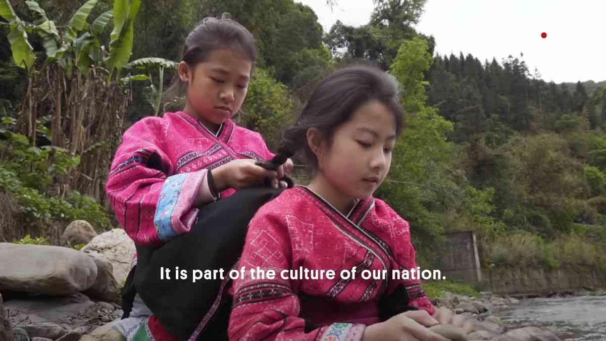 リアル「ラプンツェル」が暮らす村が中国にある