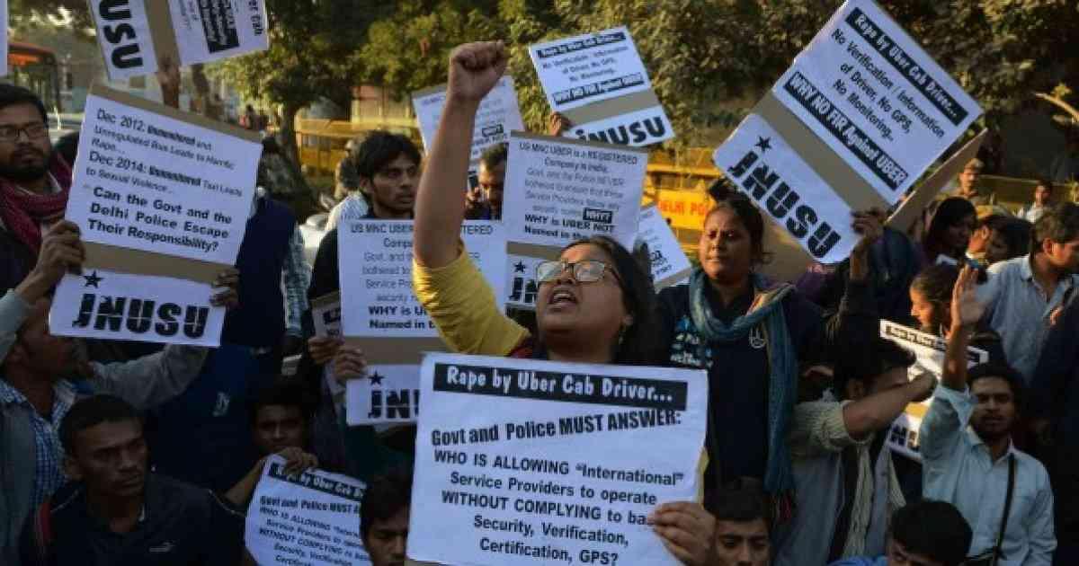 レイプ事件相次ぐインド、タクシーアプリ「Uber」運転手がデリーで女性に暴行 Uberは営業停止処分