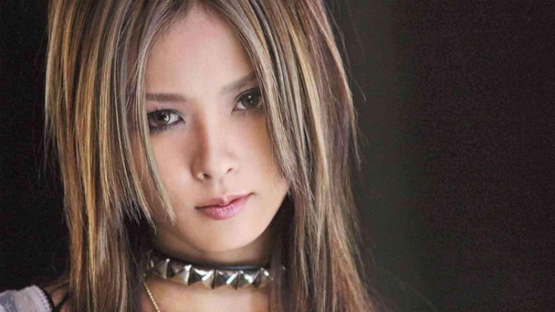 上木彩矢Aya Kamiki「ピエロ」Pierrot - YouTube