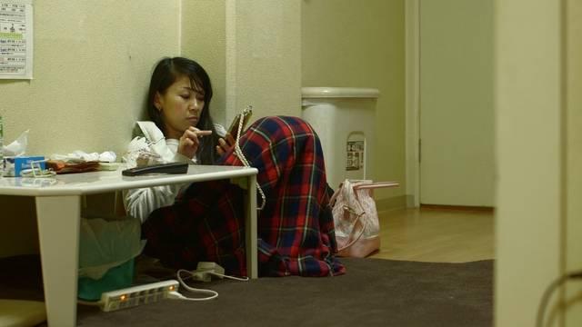 路上にいないホームレス 女性たちの「見えない貧困」