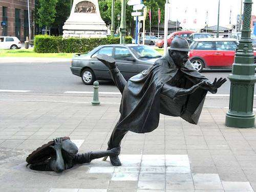 【面白い】彫刻や銅像を貼るトピ