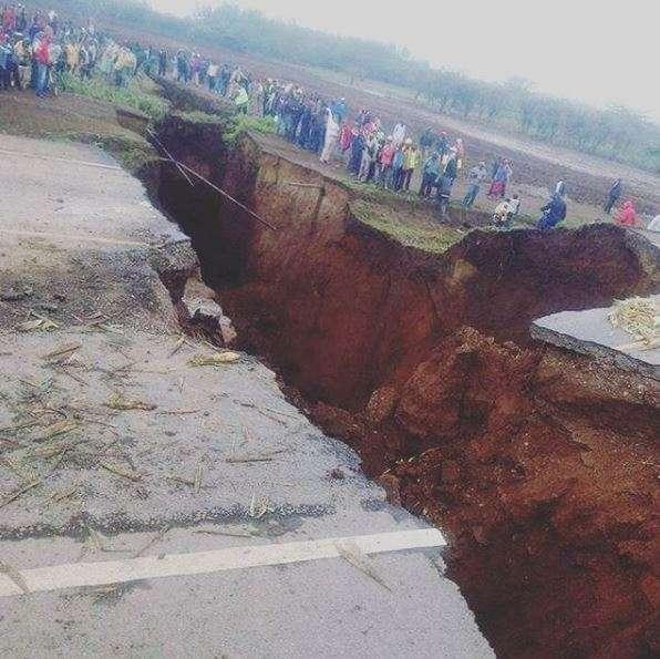 アフリカ東部で地割れ進行中「大地溝帯」が東西を分離する日(動画)   ハザードラボ