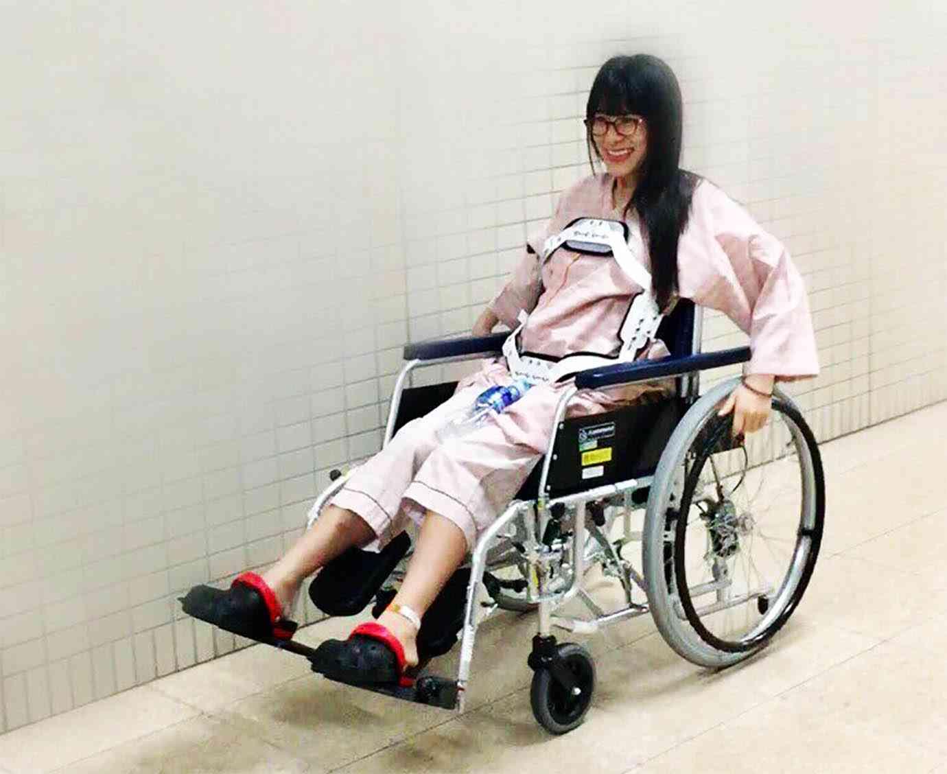 【大炎上】仮面女子アイドル猪狩ともかさんにライターが心無い発言をして炎上「車椅子アイドルとしての成功がほぼ約束された」 | バズプラスニュース Buzz+