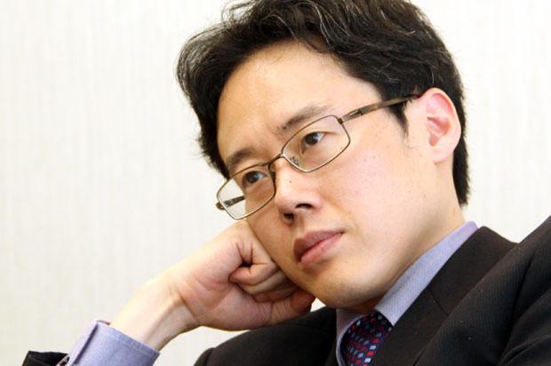 政治学者・白井聡が語る〈安倍政権の支持率が下がらない理由とその背景〉 (1/3) 〈dot.〉|AERA dot. (アエラドット)