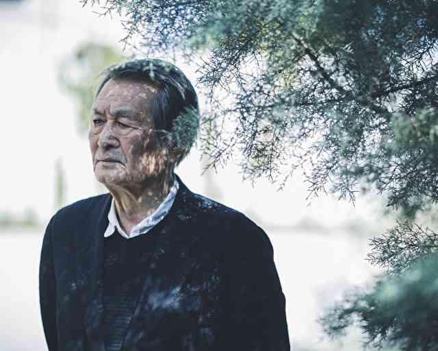 「人はみんな、不安定な中で生きている」――山﨑努、81歳。憑依する人生の実感