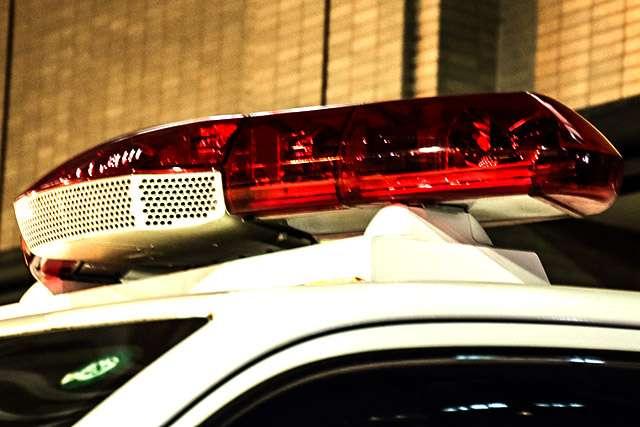 5階のベランダから2歳長女を投げ落とし殺害、31歳の母親逮捕 大阪