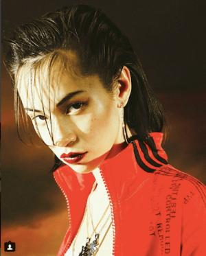 水原希子、「我が人生に悔いは無」ヤンキー少女に変貌した姿が話題に(1ページ目) - デイリーニュースオンライン