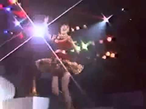 松田聖子 ~ 恋人がサンタクロース LIVE - YouTube