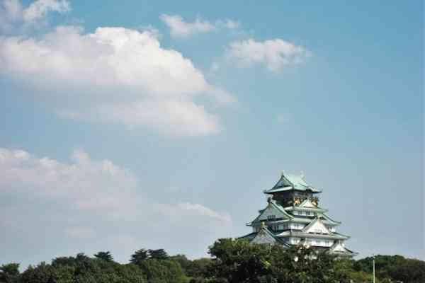 観光地のココにがっかり……。大阪城のエレベーター、鳥取砂丘にサボテンがない!|一目惚れを科学する。恋愛コラム