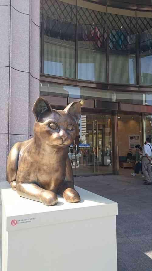 日本橋・三越の「ライオン」が、期間限定の大変身を遂げていた!