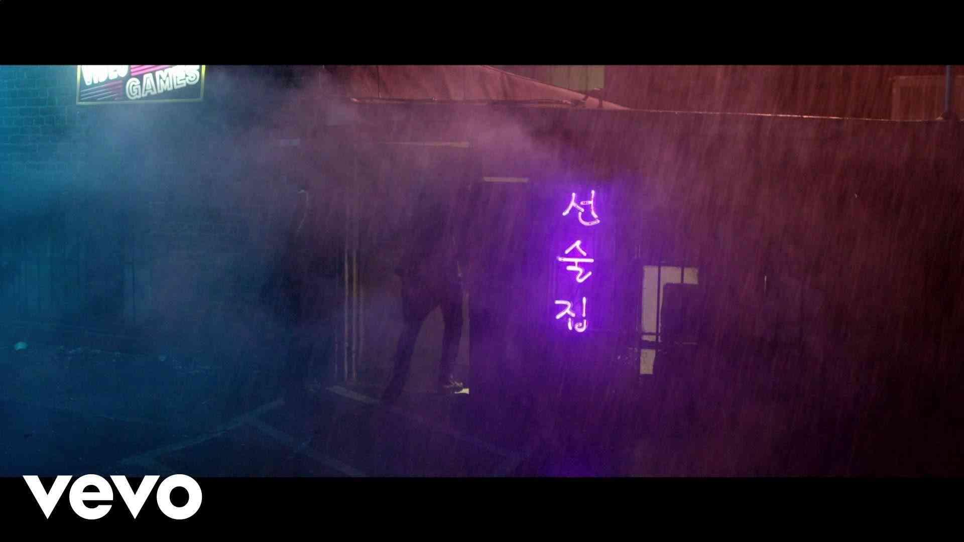 Tiësto, KSHMR - Secrets (Official Video) ft. Vassy - YouTube