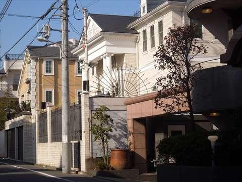 松濤に宮殿のような派手な豪邸がありました : 東京都内の豪邸探索ブログ