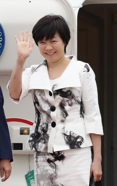 安倍首相の母である洋子氏 昭恵氏の言動に注意も諦めムードか - ライブドアニュース