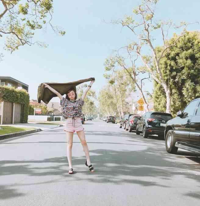 加護亜依、美脚際立つワンピース姿に絶賛の声「スタイルよすぎ」