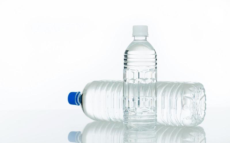 翌日に持ち越し禁止! 口をつけたペットボトルは一晩で菌が10万倍になる!?