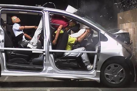 シートベルト、やはり命綱 未着用で死亡、8割助かった可能性