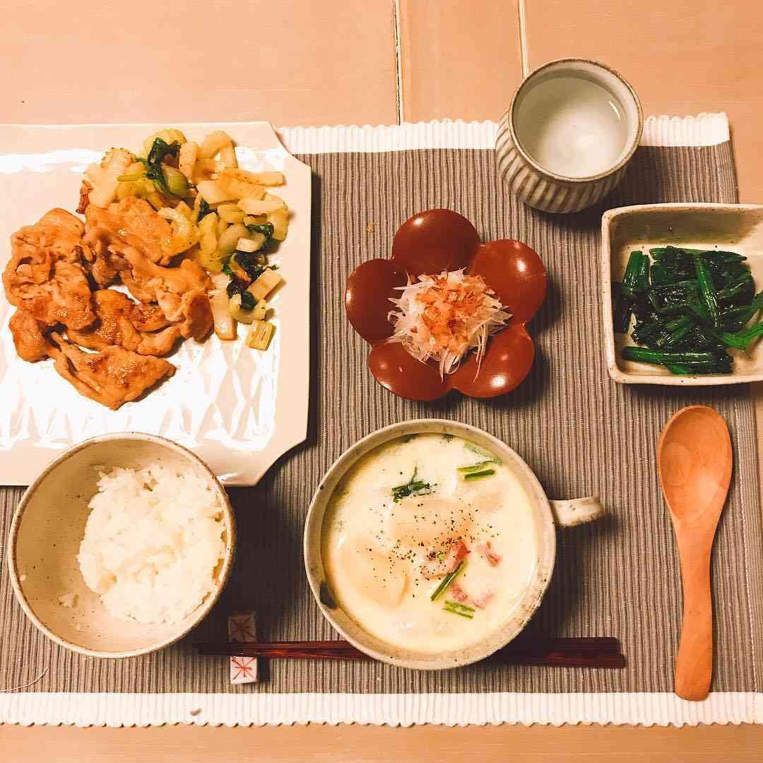 桐谷美玲さんはInstagramを利用しています:「今日は寒かったですね。東京は雪がチラチラ❄️ほっこり、蕪のミルクスープであったまろうの日。#ごちそうさまでした」