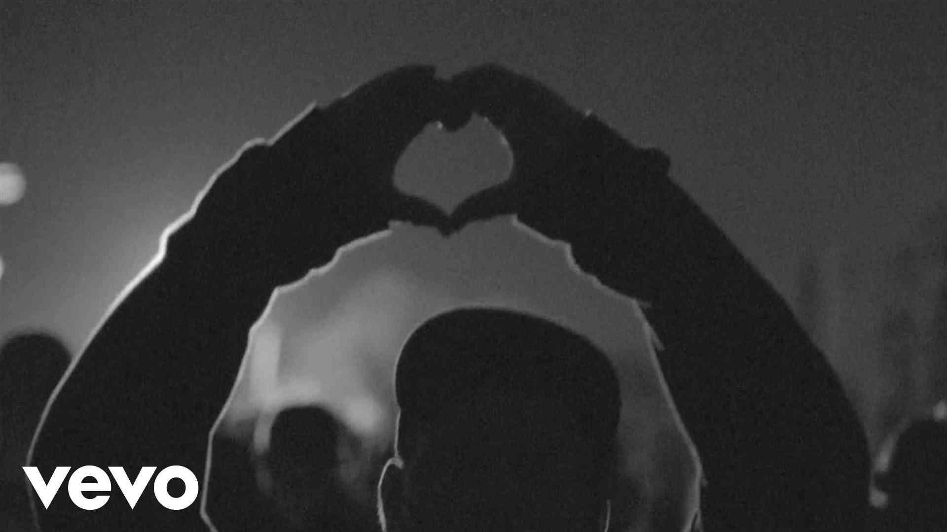 Swedish House Mafia - DontWorry Child ft. John Martin - YouTube