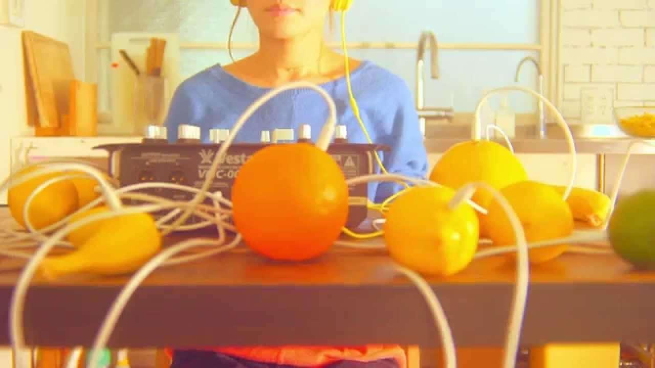 NakamuraEmi - チクッ from NIPPONNO ONNAWO UTAU vol.3 MV - YouTube