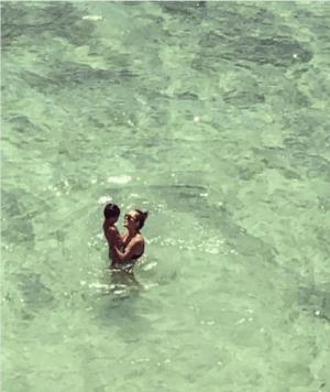 梨花、「日本にも帰るよ」水着姿でハワイから2ヶ月離れることを報告(1ページ目) - デイリーニュースオンライン
