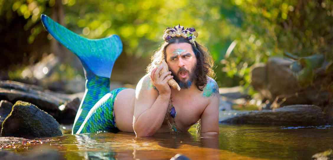 リトルマーメイドに憧れた美しき「人魚男」、1500ドル費やして手に入れた「尾」