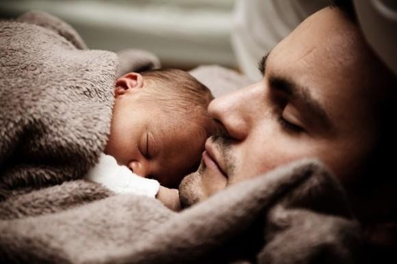 歯や瞳の色、心臓疾患からADHDまで。子どもがお父さんから受け継ぐ7つの心身の特性 : カラパイア