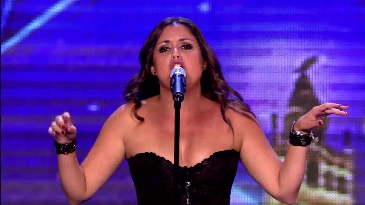 ハイパワーな女性#1 オペラと思いきや・・・・?ゴールデンボタンを獲得。 - YouTube