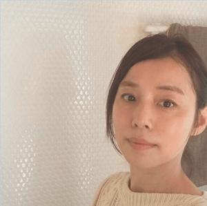 石田ゆり子、「アラフィフに見えない!」自然メイクに絶賛の嵐(1ページ目) - デイリーニュースオンライン