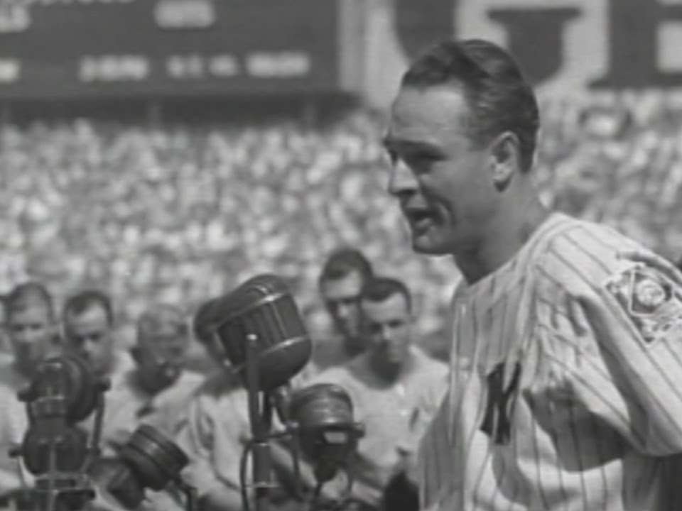 Gehrig delivers his famous speech at Yankee Stadium - YouTube