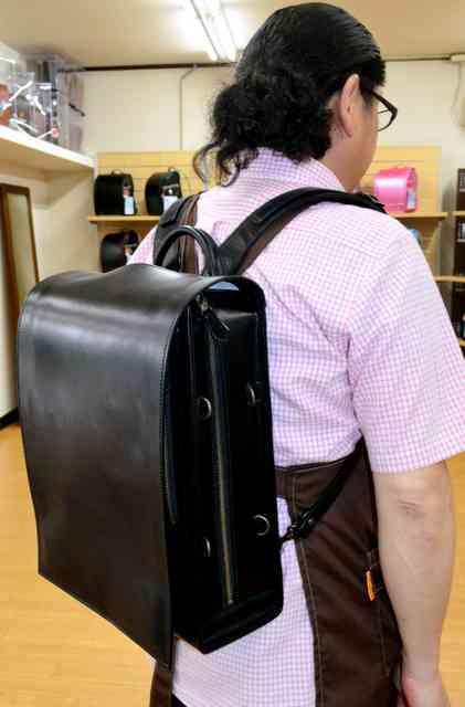 通勤ラクラク、手提げカバンにも変身 大人ランドセル:朝日新聞デジタル