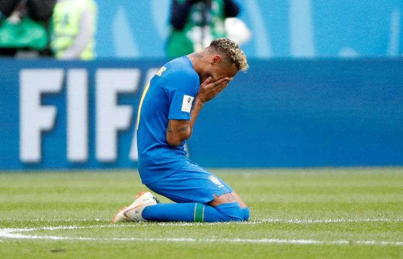 ネイマール涙の理由「セレソン10番」の重圧 - OGGIの毎日がW杯 - サッカーコラム : 日刊スポーツ
