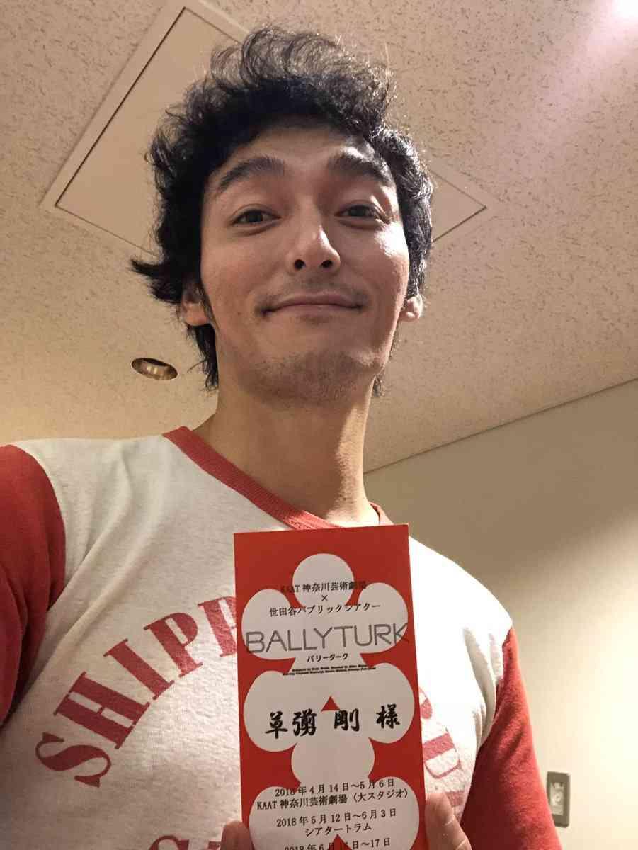 """草なぎ剛&市原隼人の""""バイク2ショット""""に反響「貴重な組み合わせ!」"""