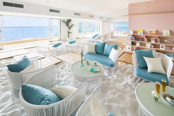 海のない埼玉に砂浜が! 「おふろcafe」がスパにビーチを作る