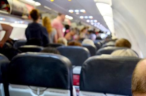 悪臭で飛行機を降ろされた男性、体組織が壊死する感染症だった | ワールド | 最新記事 | ニューズウィーク日本版 オフィシャルサイト