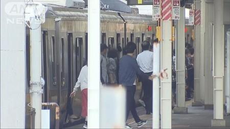 高校野球部長の教師が電車内で窃盗か 逃走図るも…(テレビ朝日系(ANN)) - Yahoo!ニュース