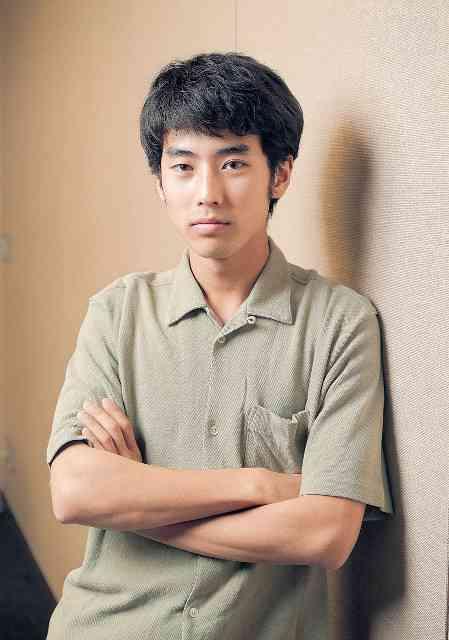 本木雅弘の息子デビュー パリのランウェイに現れた新星、UTA