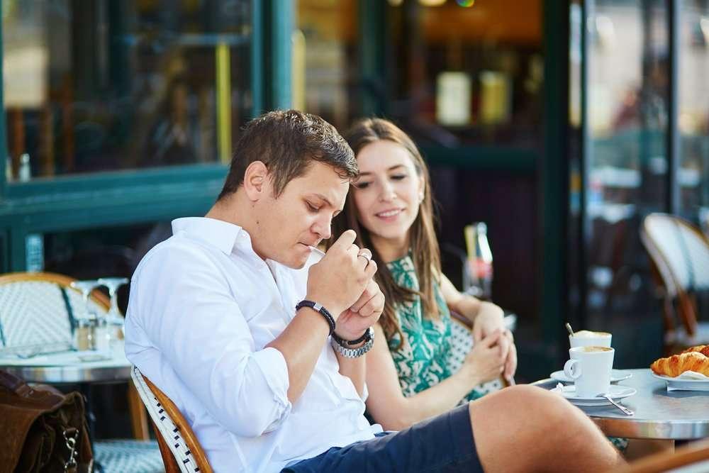 東京都独自の受動喫煙防止条例可決、従業員雇う飲食店で原則禁煙 国よりも厳しい規制