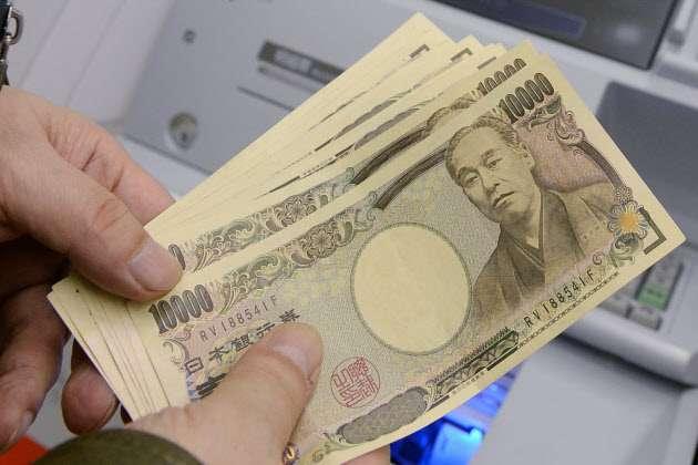 夏のボーナスが過去最高に 大手平均96.7万円  :日本経済新聞