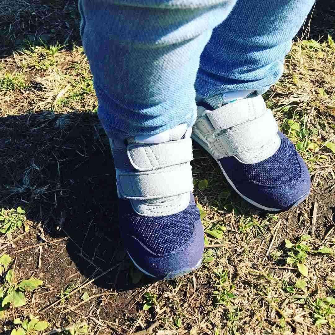 里田まい、1歳9カ月マー君Jr.の足サイズが16センチと公表!ネットママたちも驚き