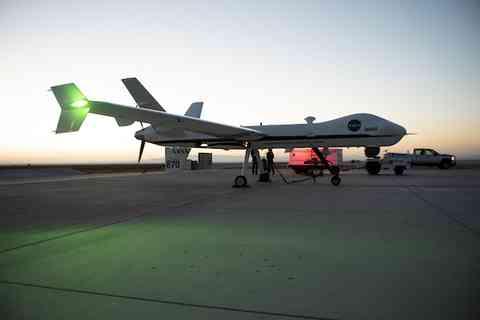 パイロット不要の大型無人機「Ikhana」初飛行に成功!NASA