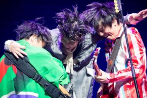 【速報】RAD、ライブでHINOMARU披露「自分の生まれた国を好きで何が悪い」と絶叫 | 保守速報