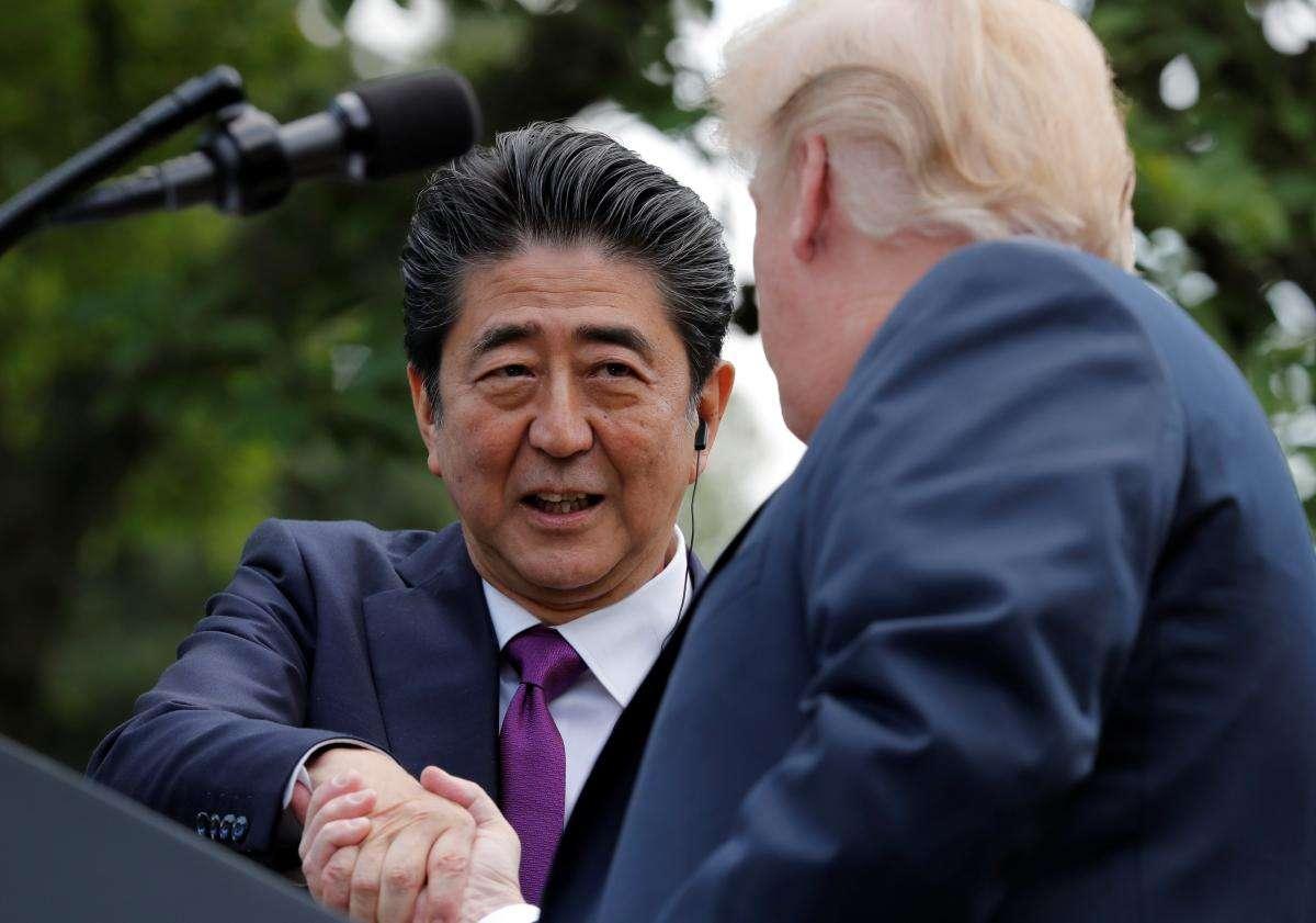 米大統領とあすの米朝会談の方針で綿密な擦り合わせ行った=安倍首相 | ロイター